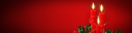 xmas-candles-merry-christmas-on-red-background-banner-800x200