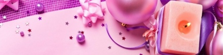 pink-glitter-girly-candle-light-christmas-decorations-banner-background-800x200