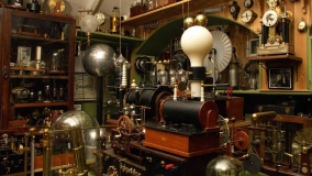 antique-electric-lab-at-the-early-technology-hero-header